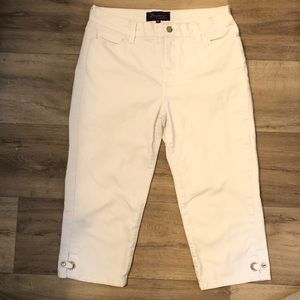 NYDJ white Capri slimming